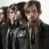 Baixista do Kings of Leon responde fãs no Twitter